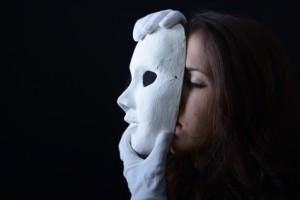 Atelier et masque en art-thérapie
